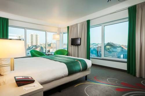 Hotel Park Inn by Radisson Brussels Midi - Situé en face de la gare de…