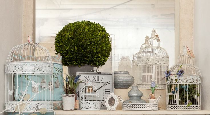 ShabbyChic White cages, Turquoise Pillows, Buxus Bushes that last forever and small Charming Beauties only at ChicVille.ro