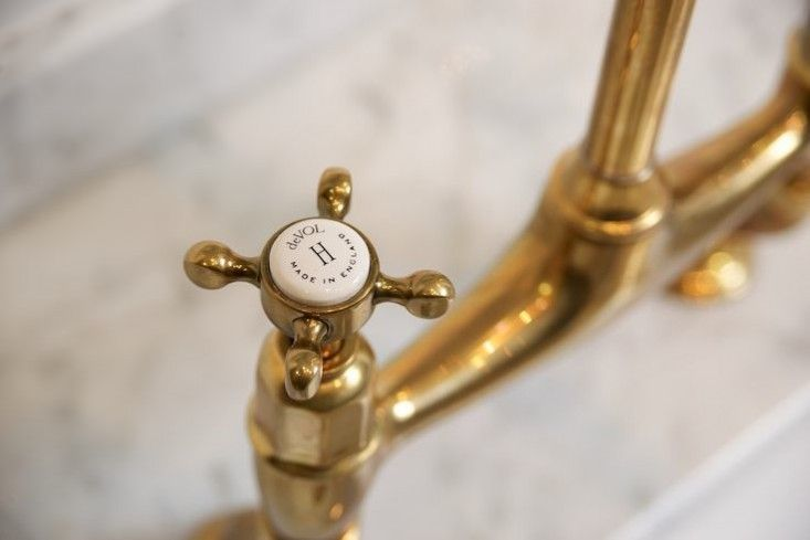 Perrin and Row Faucet for deVol | Remodelista http://www.devolkitchens.co.uk/blog/2015/06/03/the-perfect-antique-brass-tap-by-devol/ I LOVE THESE FIXTURES