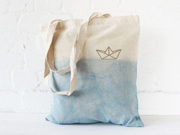 Maritimer Jutebeutel mit Papierschiff, Tasche, Shopper für den Sommer / maritime bag with paper boat print, summer accessory made by Nullsieben-Design via DaWanda.com