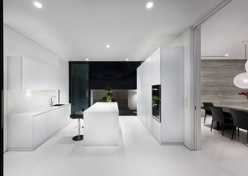 oh. yes.Roads House, House Design, Dreams Kitchens, Black And White, Interiors Design, White Interiors, Modern House, Alnwick Roads, White Kitchens
