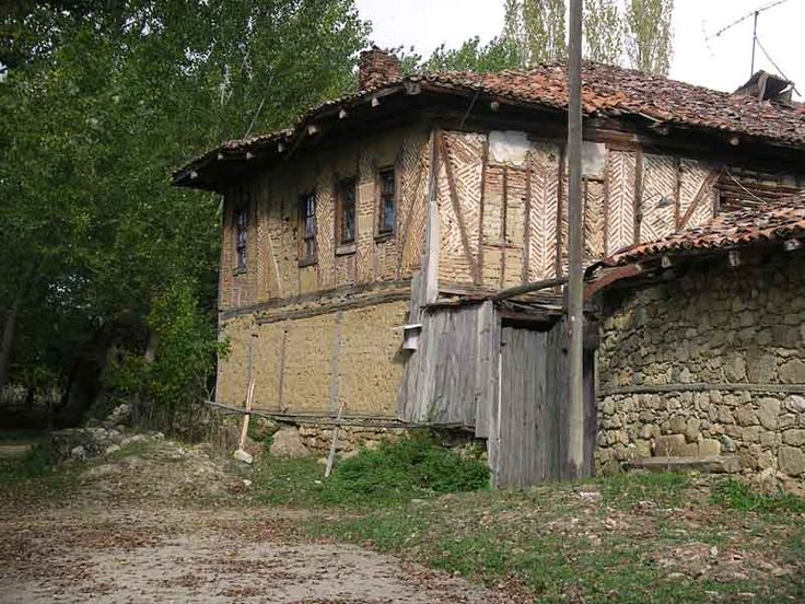 The tiny village of Kasaba located about 17 km north-west of Kastamonu, Black Sea, is home to another marvel of its kind.