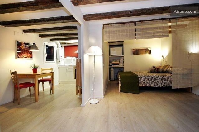 Gotico II - Ramblas apartment in Barcelona da $101 per notte