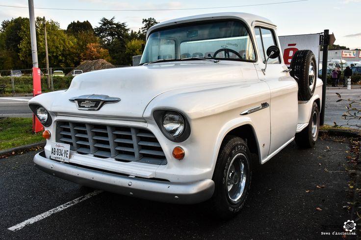 Pick-Up Chevrolet à la Bourse de l'Aigle. Reportage : http://newsdanciennes.com/2016/10/19/19e-bourse-de-laigle-des-tractions-des-collectionneurs-et-des-tracteurs/