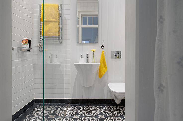 white house bathroom