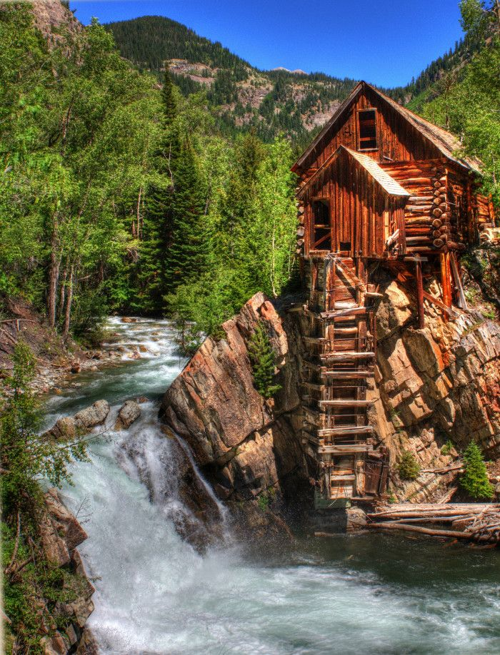 13 Amazing Places In Colorado That Are A Photo-Taking Paradise  Let's face it: Everywhereyou lookin Colorado is pretty picturesque. However, these 13 amazing places are the cream of the crop when it comes to beautiful photography–let's check them out!