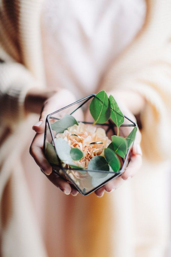 ♡ Just look at this sweetie! :) Small geometric terrarium Icosahedron contains lightness, beauty, laconism and the perfect lines. Make it an active participant of your Important Day, as it is perfectly suitable for use as a box for wedding rings. You may put inside beautiful flowers, soft silk, sand, immortelles, moss, shells, or even leave it empty – and here you have a wonderful rings box in the spirit of your Wedding ceremony! (or may be a decoration of your wedding table?!) Or you may…