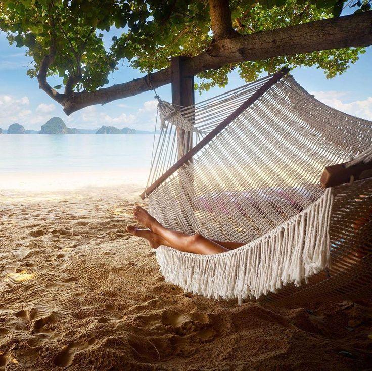 Przespać noc w hamaku na plaży  #hammock #travel #traveler #travellife #travelplanet #travellife #travels #travelgirl #listamarzeń #hamak #plaża #beach #relax #chillout