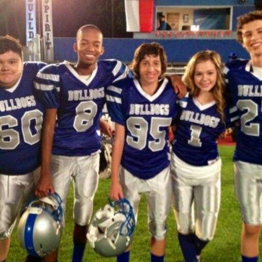 On set of Bella & The Bulldogs!!!