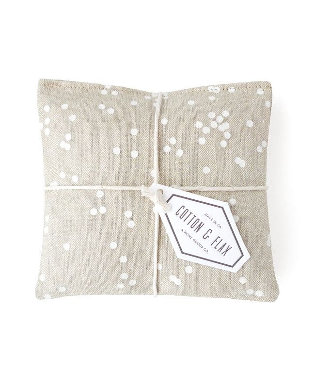 Linen Lavender Sachets - these sachets smell so good! Made with organic lavender.