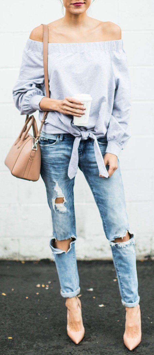 #thanksgiving #outfits Off Shoulder Top // Destroyed Jeans // Nude Pumps // Nude Shoulder Bag