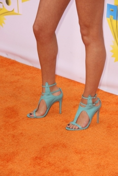 Selena Gomez #shoes #fashion #celebrity
