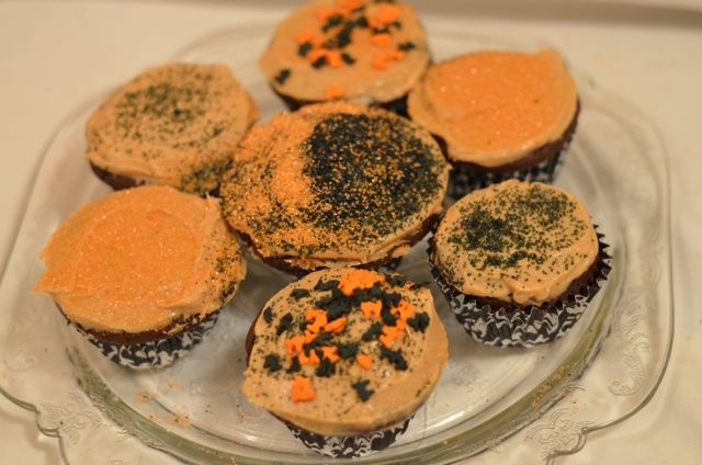 Peanut butter icing, Halloween chocolate and Butter icing on Pinterest