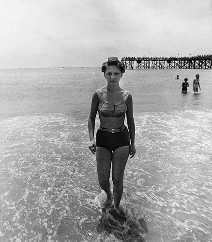 """""""Girl emerging from the ocean in curlers"""", Coney Island, N.Y., 1963, © 1980 The Estate of Diane Arbus LLC"""