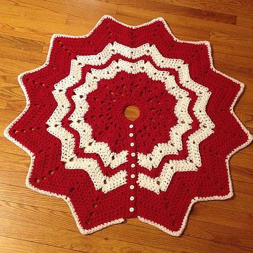 crochet Christmas Tree Skirt pattern, free ravelry download