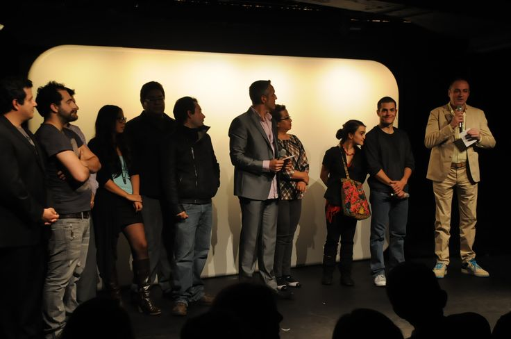Ayer, al final de la función de estreno de Agonía y Éxtasis de Steve Jobs.