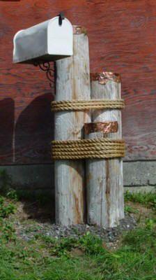 Wood mailbox support using 3-spar mooring