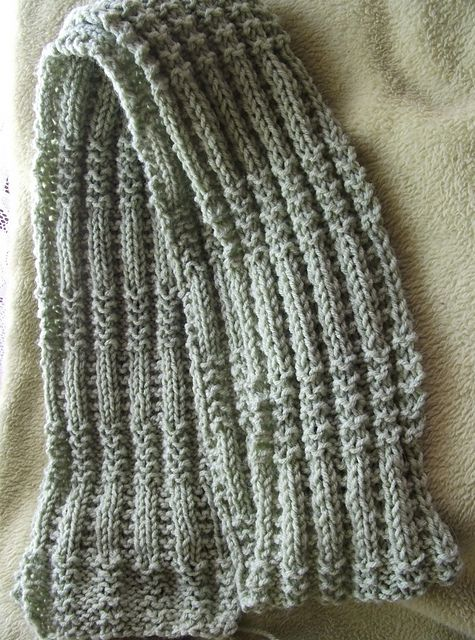 Easy 2 row pattern - great texture. Ravelry: SPEED BUMPS pattern by steepndeep's Designs {free}