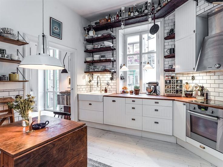 When it comes to dream kitchens, for me it doesn't get much better than this Swedish kitchen. Not only is the neutral color palette totally my jam, but it's the details that place this kitchen a cut above the rest.