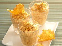 Verrine de mousse de carottes au gingembre frais et tuiles de parmesan - Recettes