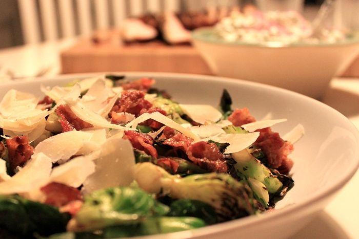 Rosenkål med bacon og parmesan