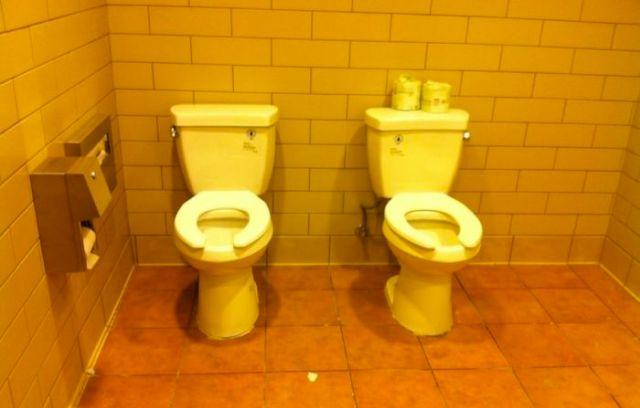 Doppia toilette