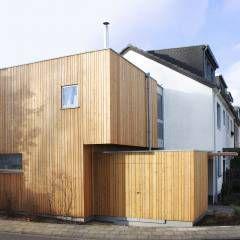 Kubus: moderne Garage & Schuppen von DANKE Architekten
