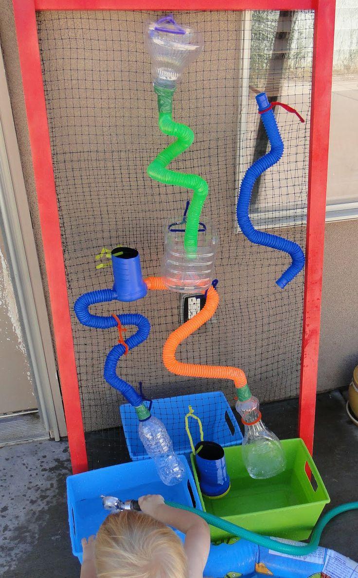 Watermuur. Kleuters laten experimenteren met water