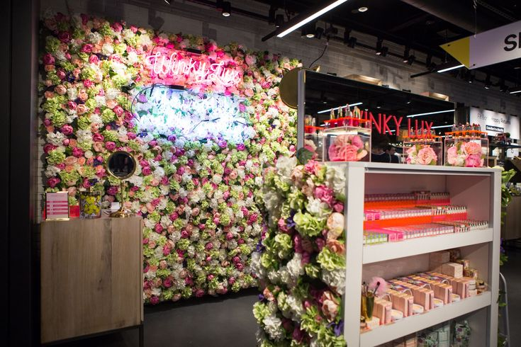 The Edit At Roosevelt Field Brings Your URL Favs IRL #refinery29 http://www.refinery29.com/the-edit-store-experience-roosevelt-field-mall#slide-6