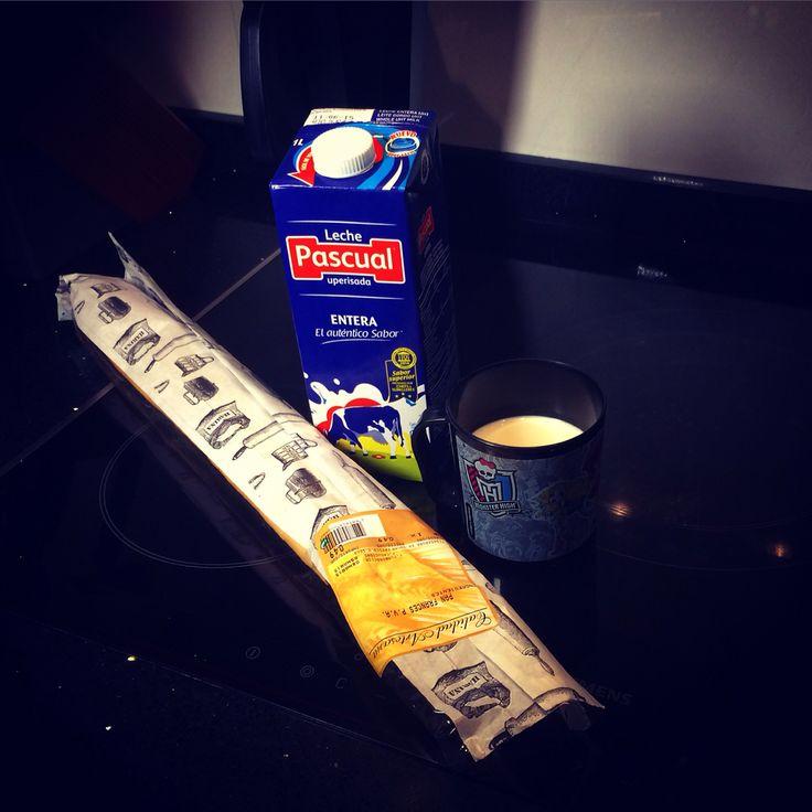 #Desayuno con clásicos #madeinspain #hechoenespaña #lechepascual #leche  #panfrances #supercor #pan & #breakfast by #simbiosc #simbiosctv