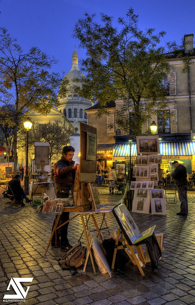 Montmartre, Paris, France  THE PLACE to visit in Paris, my favorite spot! ❤️