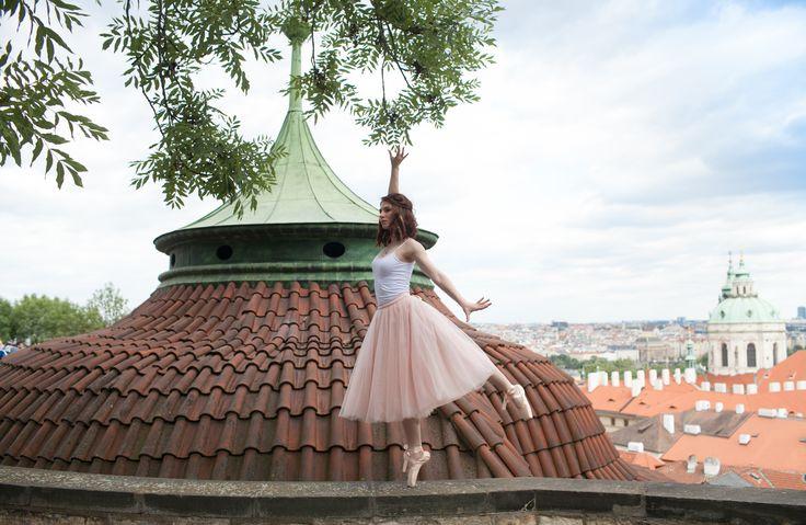 Лав стори, Фотосессия для пары, Свадьба в Праге, love story, Свадьба в Чехии, Свадебный фотограф в Чехии, пуанты, балет, танец, шифоновая юбка