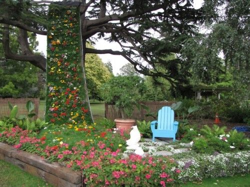 In Christchurch's Botanic Gardens, the flowers are in full bloom