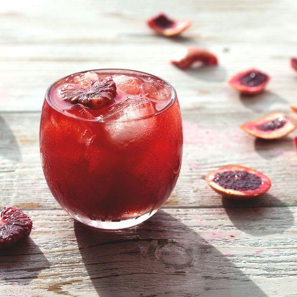 15 коктейлей, чтобы официальный праздник сделать личным (18+)