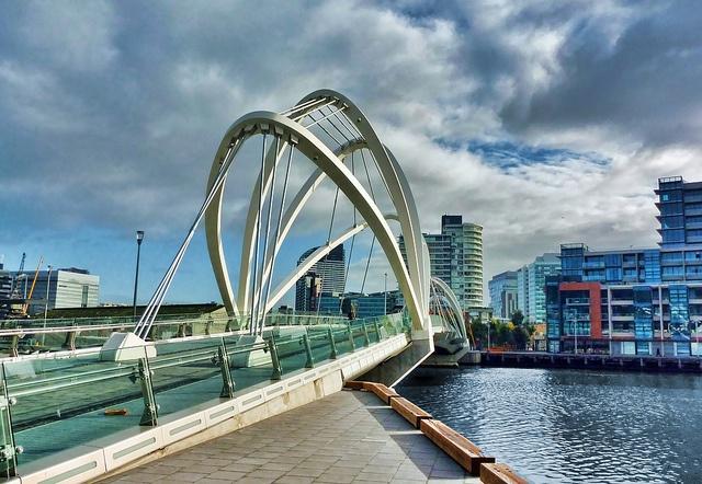 bridge over the Yarra RIver in Melbourne