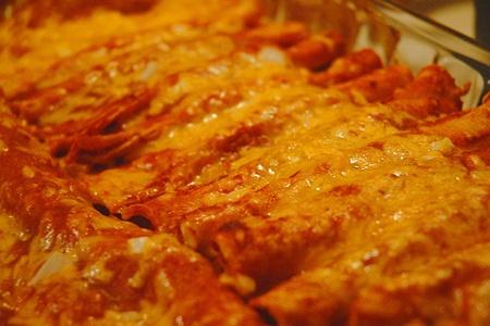 Enchiladas mexicanas (Recipe in Spanish). All I need is sour cream. Yum!!!