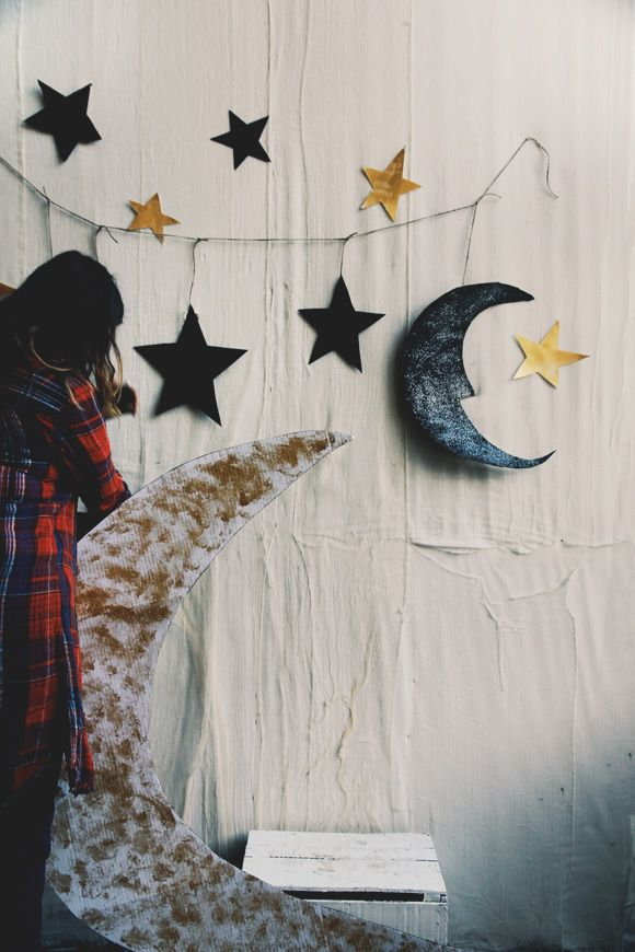 25 best ideas about halloween backdrop on pinterest for Make your own halloween decorations