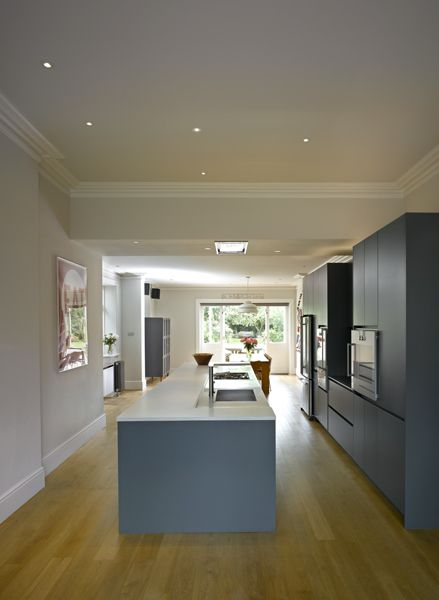 Roundhouse Urbo Grey Matt Lacquer Bespoke Kitchen With Zebrano Island photo - 5