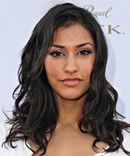Janina Gavankar Hairstyle new