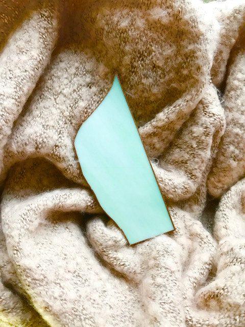 Handgemaakte exclusieve broche voor op een pashmina, gemaakt van groen opaal Tiffany glas door BeautifullSieraden op Etsy