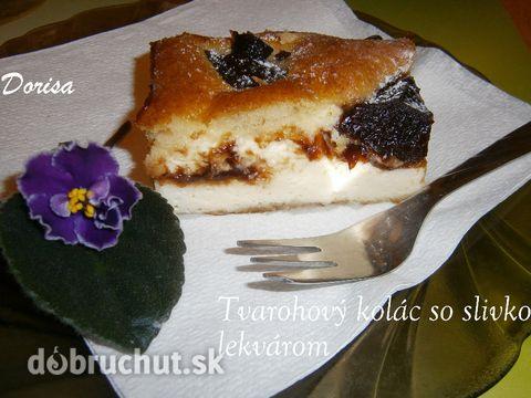 Tvarohový koláč so slivkovým lekvárom - Je to hrnčekový koláč. Má rýchlu prípravu a podľa mňa je to aj skvelá náhrada kysnutých moravských...