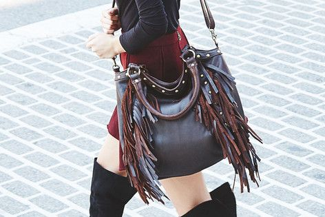 Fringe shoulder bags.