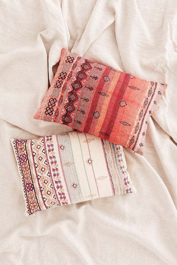 Agda Printed Yarn Pillow
