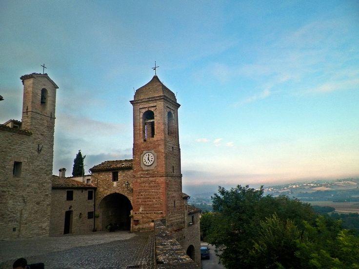 Castiglioni ...uno dei Castelli di Arcevia