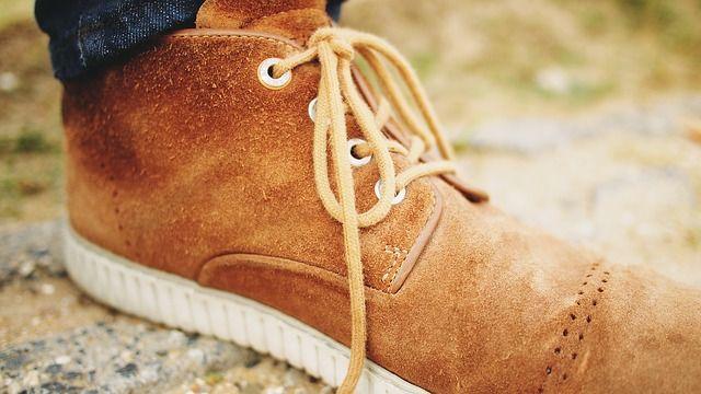 Nettoyer les chaussures en suédine