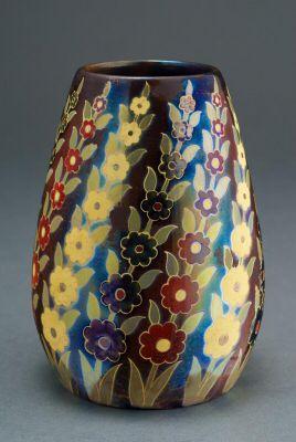Zsolnay virágfüzéres eozin váza