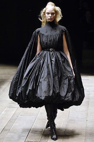 Alexander McQueen Fall 2006 Ready-to-Wear - Collection