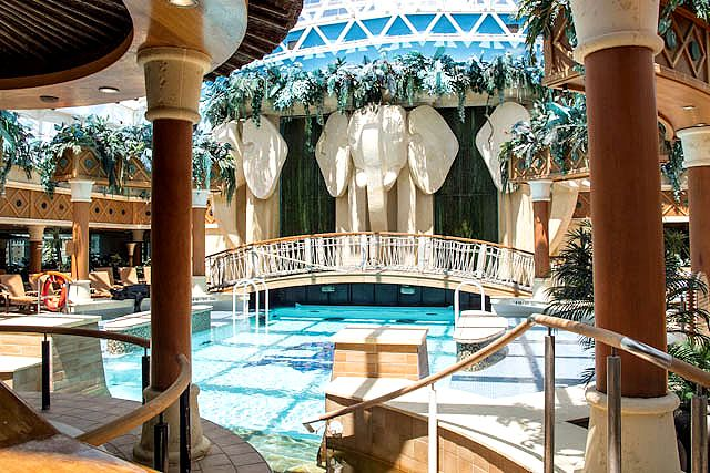 Radiance of the Seas – Solarium