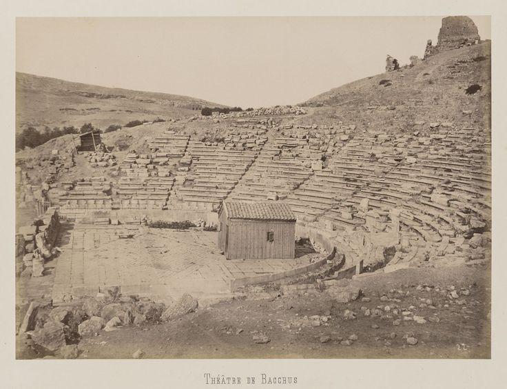 Athènes. Flanc sud de l'Acropole. Théâtre de                     Dionysos © Musée Guimet, Paris, Distr. Rmn / Image Guimet