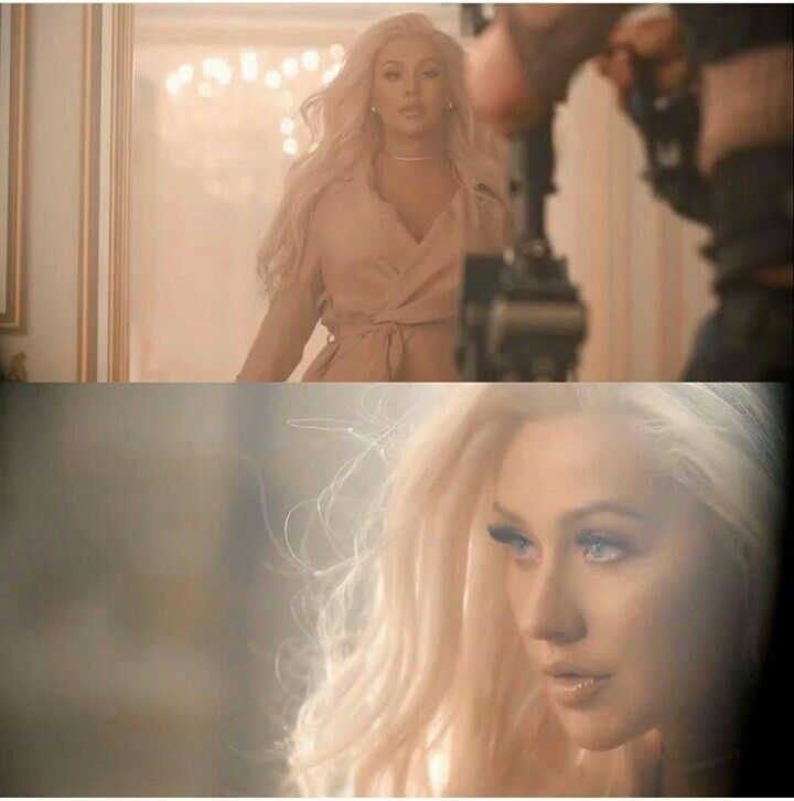 "christina aguilera ""xtina"" Queen is looking fabulous here!   ctto."
